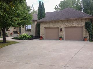 Photo 2: 141 Bluegrass Road in RM Springfield: Single Family Detached for sale (R04)  : MLS®# 1905198