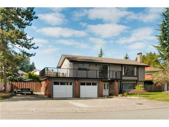 """Main Photo: 19860 N WILDWOOD Crescent in Pitt Meadows: South Meadows House for sale in """"WILDWOOD"""" : MLS®# V995390"""