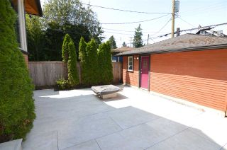 Photo 4: 3261 W 2ND AVENUE in Vancouver: Kitsilano 1/2 Duplex for sale (Vancouver West)  : MLS®# R2393995