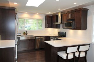"Photo 8: 3209 CAPSTAN Crescent in Coquitlam: Ranch Park House for sale in ""RANCH PARK"" : MLS®# R2080856"