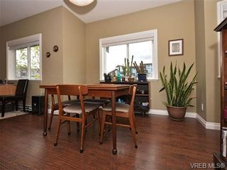 Photo 5: 113 643 Granderson Rd in VICTORIA: La Fairway Row/Townhouse for sale (Langford)  : MLS®# 698748