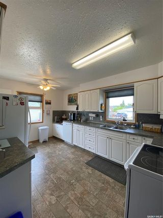 Photo 8: 200 6th Avenue East in Unity: Residential for sale : MLS®# SK860498