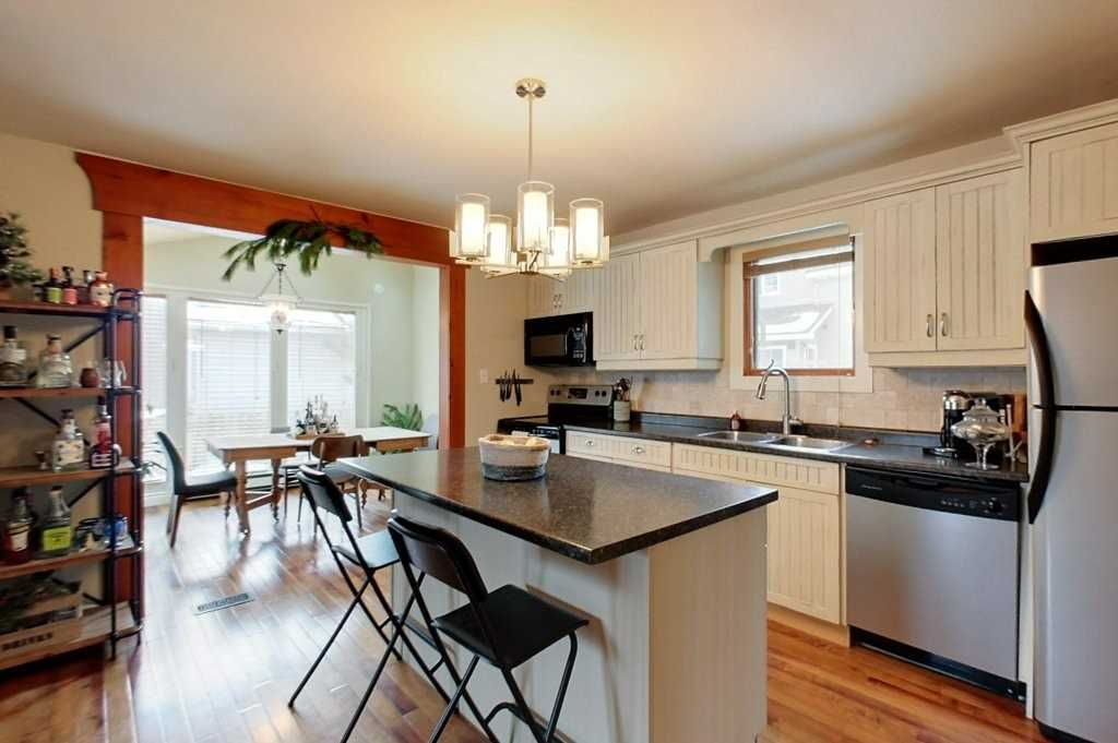 Photo 5: Photos: 270 Birch Street in Blue Mountains: Blue Mountain Resort Area House (1 1/2 Storey) for lease : MLS®# X4837552