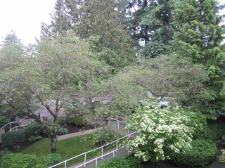 """Photo 13: 421 6707 SOUTHPOINT Drive in Burnaby: South Slope Condo for sale in """"MISSION WOODS"""" (Burnaby South)  : MLS®# R2348752"""