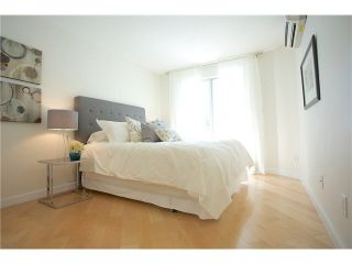 """Photo 11: 3211 33 CHESTERFIELD Place in North Vancouver: Lower Lonsdale Condo for sale in """"HARBOURVIEW PARK"""" : MLS®# V1109655"""