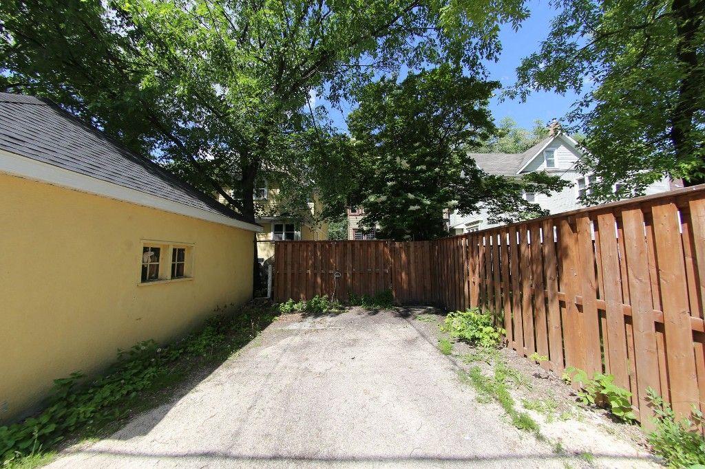 Photo 28: Photos: 453 Greenwood Place in Winnipeg: Wolseley Single Family Detached for sale (West Winnipeg)  : MLS®# 1516914