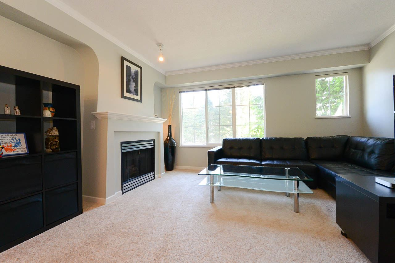 """Photo 3: Photos: 54 12778 66 Avenue in Surrey: West Newton Townhouse for sale in """"HATHAWAY VILLAGE"""" : MLS®# R2085021"""