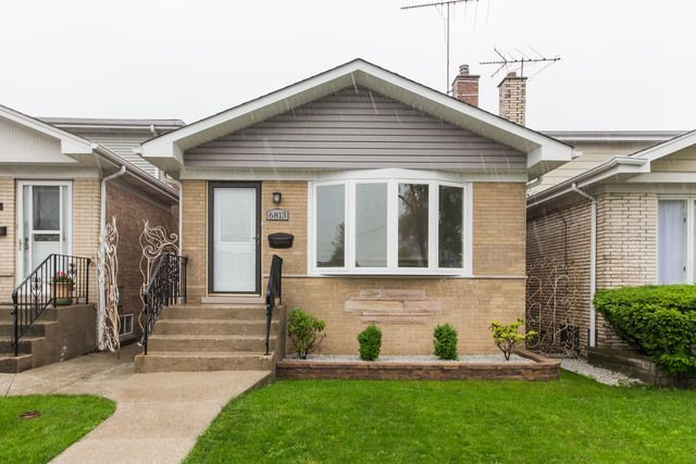 Main Photo: 6813 Addison Street in CHICAGO: CHI - Dunning Single Family Home for sale ()  : MLS®# MRD09995834