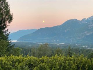 Photo 7: 1003 TOBERMORY Way in Squamish: Garibaldi Highlands House for sale : MLS®# R2572074