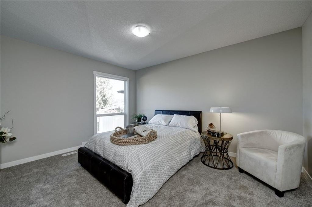 Photo 23: Photos: 210 OAKMOOR Place SW in Calgary: Oakridge House for sale : MLS®# C4111441