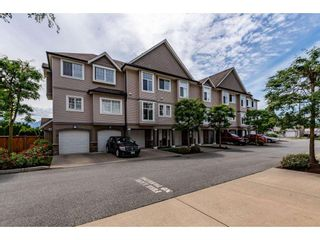 Photo 2: 17 9140 HAZEL Street in Chilliwack: Chilliwack E Young-Yale Townhouse for sale : MLS®# R2590211