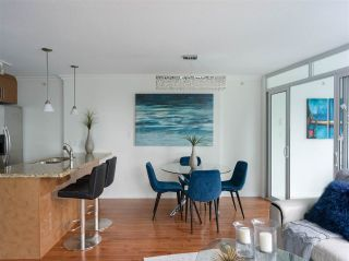 """Photo 5: 1006 1189 MELVILLE Street in Vancouver: Coal Harbour Condo for sale in """"The Melville"""" (Vancouver West)  : MLS®# R2519341"""