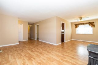 Photo 10: 520 GLENAIRE Drive in Hope: Hope Center House for sale : MLS®# R2576130