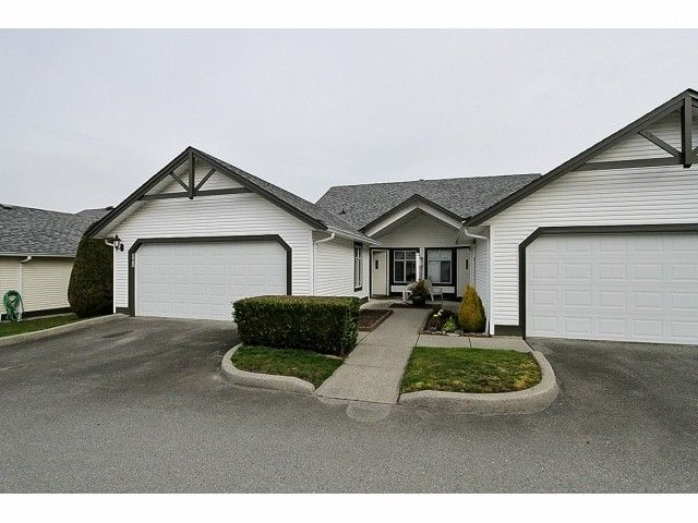 """Main Photo: 115 19649 53RD Avenue in Langley: Langley City Townhouse for sale in """"Huntsfield Green"""" : MLS®# F1406703"""