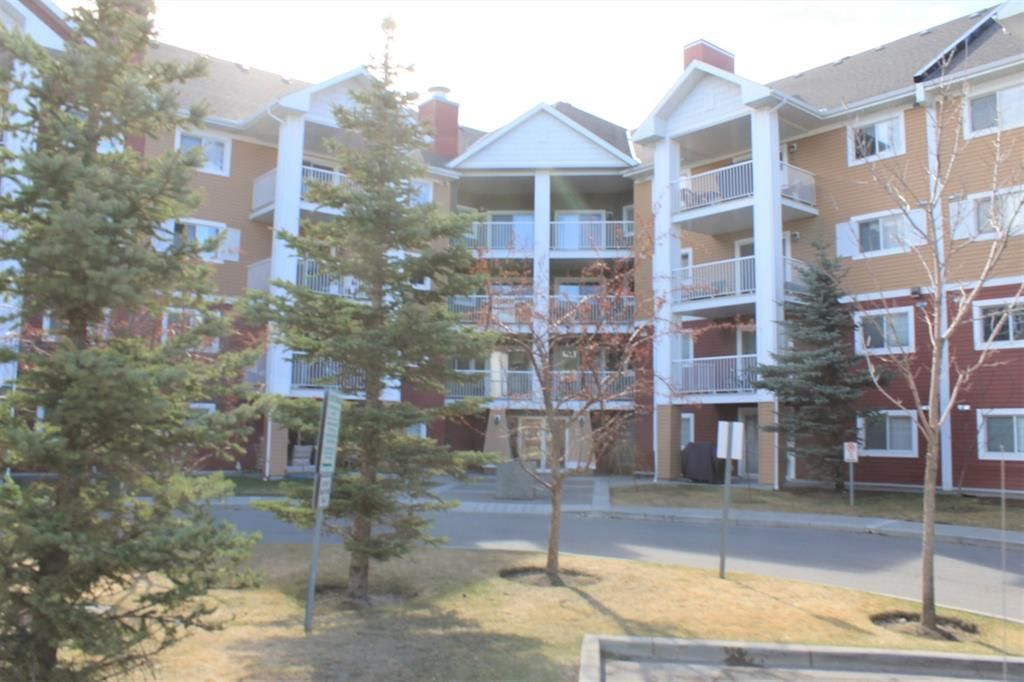 Main Photo: 2216 10 Prestwick Bay SE in Calgary: McKenzie Towne Apartment for sale : MLS®# A1101175