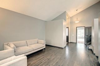 Photo 10: 68 Bermondsey Way NW in Calgary: Beddington Heights Detached for sale : MLS®# A1152009