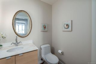 Photo 25: 502 9809 Seaport Pl in Sidney: Si Sidney North-East Condo for sale : MLS®# 883312