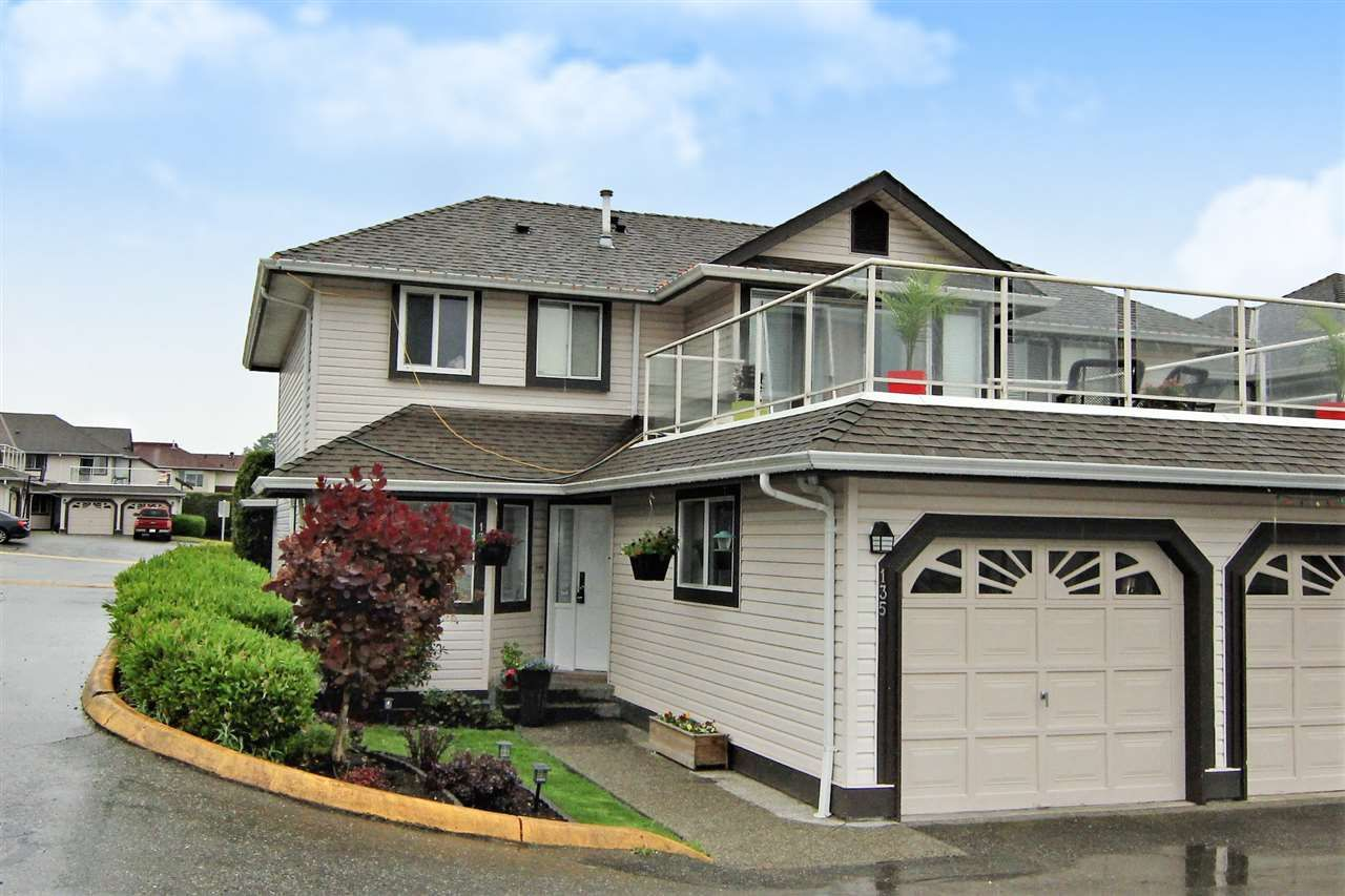 """Main Photo: 135 3080 TOWNLINE Road in Abbotsford: Abbotsford West Townhouse for sale in """"The Gables"""" : MLS®# R2557109"""
