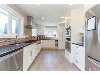 Photo 8: 10215 Third St in SIDNEY: Si Sidney North-East House for sale (Sidney)  : MLS®# 728643