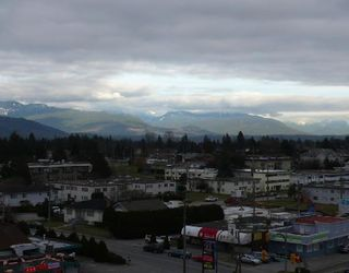 """Photo 10: 902 6659 SOUTHOAKS Crescent in Burnaby: Middlegate BS Condo for sale in """"GEMINI II"""" (Burnaby South)  : MLS®# V684659"""