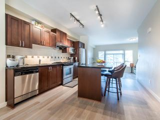 """Photo 6: 149 3105 DAYANEE SPRINGS Boulevard in Coquitlam: Westwood Plateau Townhouse for sale in """"WHITE TAIL LANE"""" : MLS®# R2443110"""
