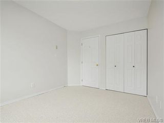 Photo 12: 303 2647 Graham St in VICTORIA: Vi Hillside Condo for sale (Victoria)  : MLS®# 698000