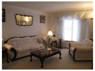 Photo 2: 39 CIRRUS Close in WINNIPEG: Maples / Tyndall Park Residential for sale (North West Winnipeg)  : MLS®# 2904649