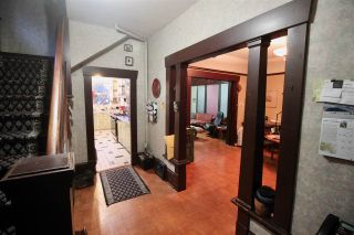 Photo 2: 1017 E 13TH Avenue in Vancouver: Mount Pleasant VE House for sale (Vancouver East)  : MLS®# R2426975