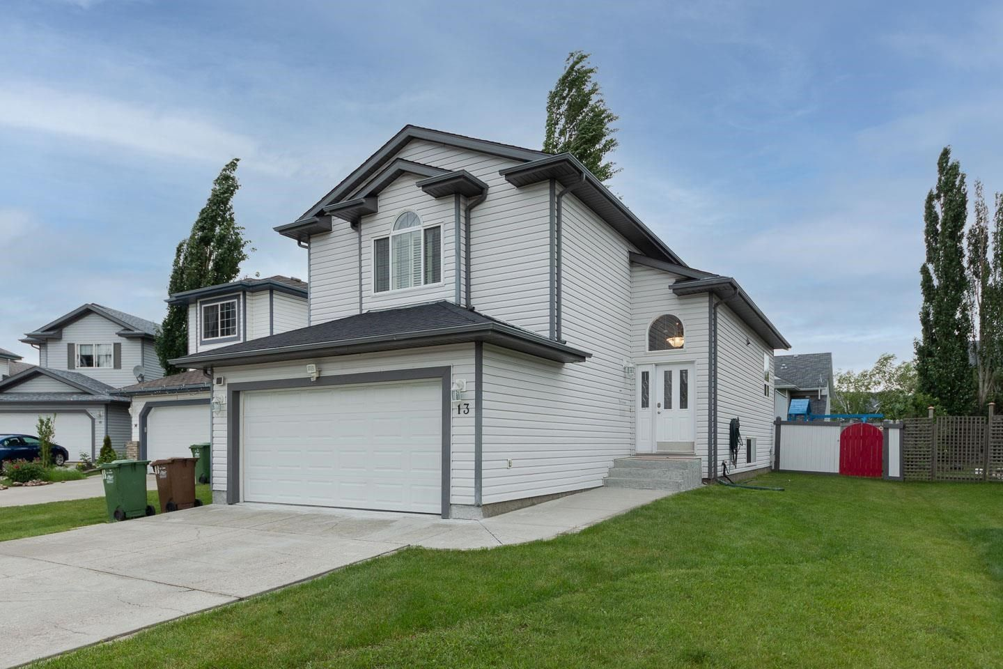 Main Photo: 13 ELBOW Place: St. Albert House for sale : MLS®# E4264102