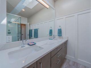 Photo 17: 4980 LAUREL Avenue in Sechelt: Sechelt District House for sale (Sunshine Coast)  : MLS®# R2589236
