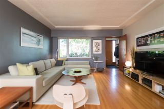 Photo 3: 2436 TURNER STREET in Vancouver: Renfrew VE House for sale (Vancouver East)  : MLS®# R2116043