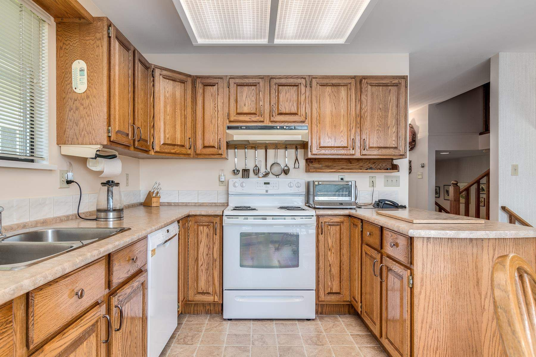 """Photo 13: Photos: 378 BALFOUR Drive in Coquitlam: Coquitlam East House for sale in """"DARTMOOR HEIGHTS"""" : MLS®# R2600428"""