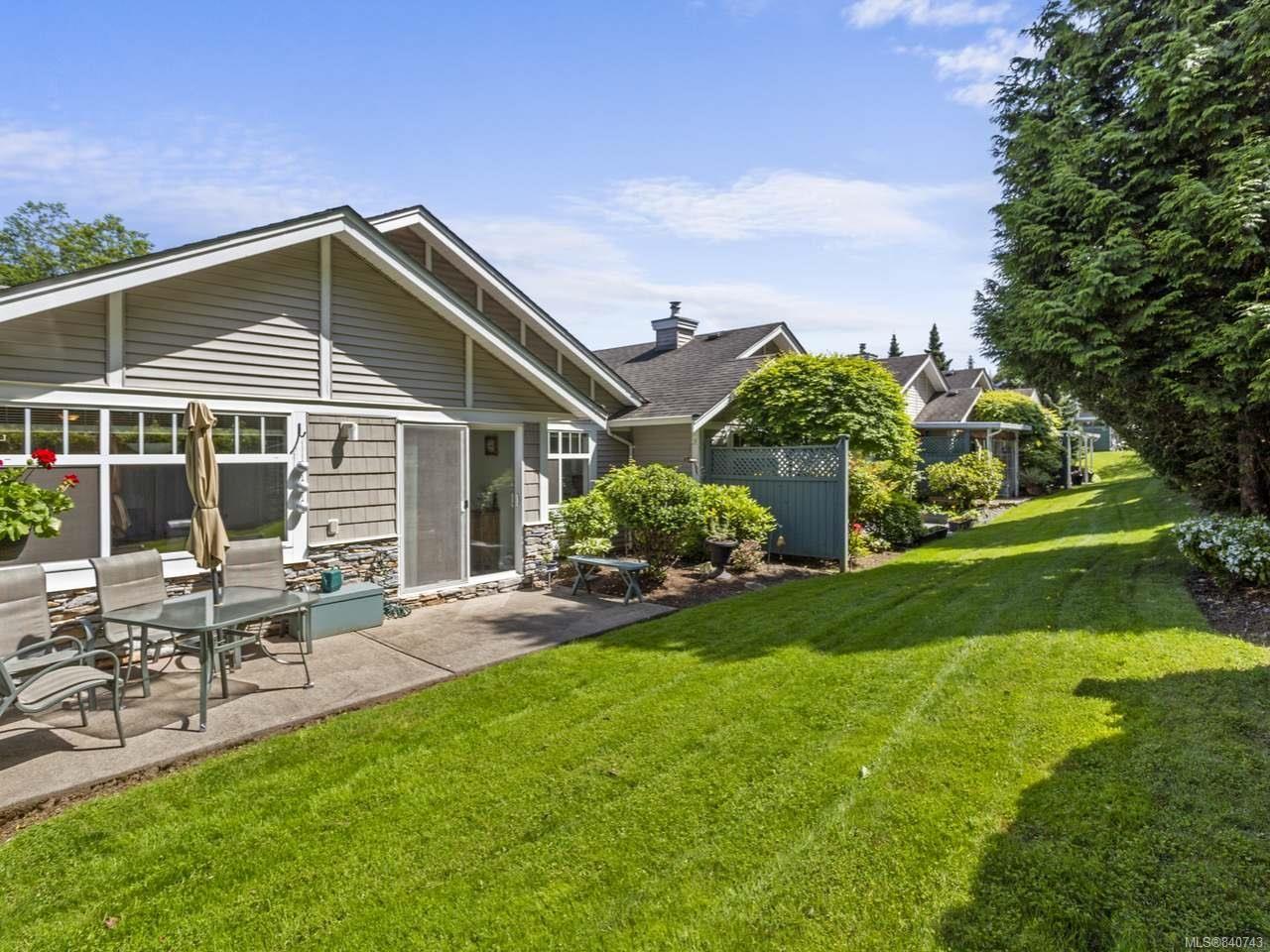 Main Photo: 6175 Rosecroft Pl in NANAIMO: Na North Nanaimo Row/Townhouse for sale (Nanaimo)  : MLS®# 840743