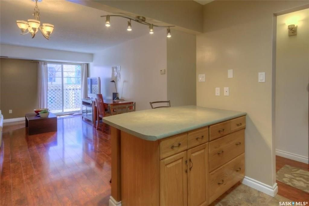 Main Photo: 103 2237 McIntyre Street in Regina: Transition Area Residential for sale : MLS®# SK842879