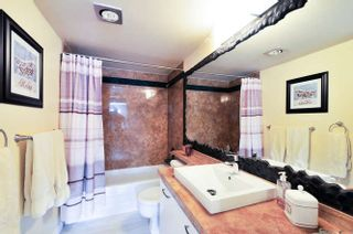 "Photo 13: 206 15375 17 Avenue in Surrey: King George Corridor Condo for sale in ""CARMEL PLACE"" (South Surrey White Rock)  : MLS®# R2044695"
