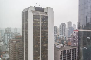 """Photo 7: 1602 989 NELSON Street in Vancouver: Downtown VW Condo for sale in """"The Electra"""" (Vancouver West)  : MLS®# R2431678"""