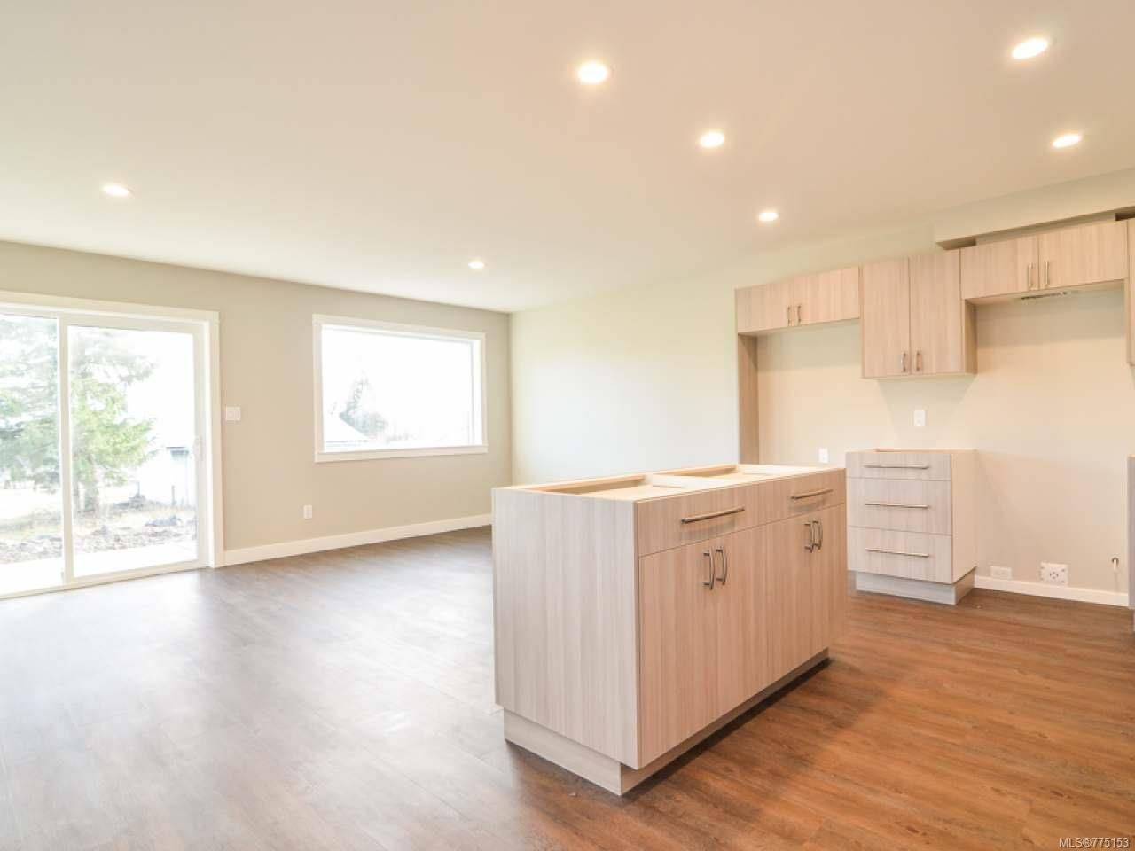 Photo 4: Photos: 2 595 Petersen Rd in CAMPBELL RIVER: CR Campbell River West Half Duplex for sale (Campbell River)  : MLS®# 775153