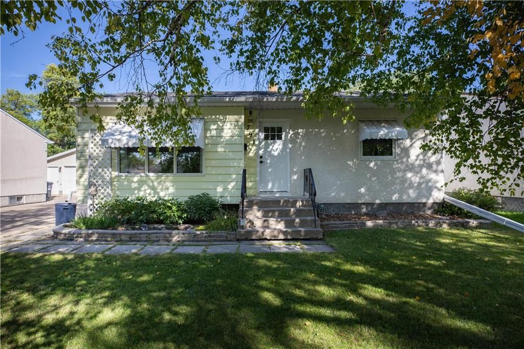 Main Photo: 791 Autumnwood Drive in Winnipeg: Windsor Park Residential for sale (2G)  : MLS®# 202023248