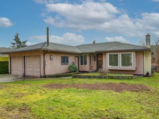 Photo 1: 3128 Glen Lake Rd in Langford: La Glen Lake House for sale : MLS®# 868787