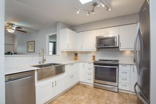 """Photo 8: 407 3480 MAIN Street in Vancouver: Main Condo for sale in """"The Newport"""" (Vancouver East)  : MLS®# R2485056"""