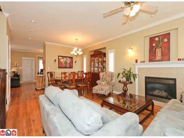Photo 3: Photos: 7277 144TH Street in Surrey: East Newton House for sale : MLS®# F1120125