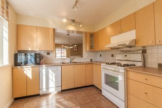 """Photo 4: 1 8131 GENERAL CURRIE Road in Richmond: Brighouse South Townhouse for sale in """"BRENDA GARDENS"""" : MLS®# R2625260"""