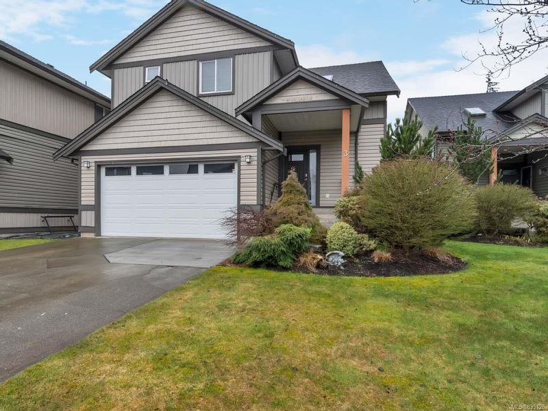 FEATURED LISTING: 3 - 2033 VARSITY Landing CAMPBELL RIVER
