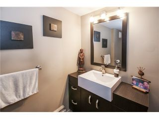 Photo 12: 237 RONDOVAL Crescent in North Vancouver: Upper Delbrook House for sale : MLS®# V1102155