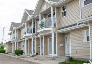 Photo 1: 202 I 141 105th Street West in Saskatoon: Sutherland Residential for sale : MLS®# SK842881
