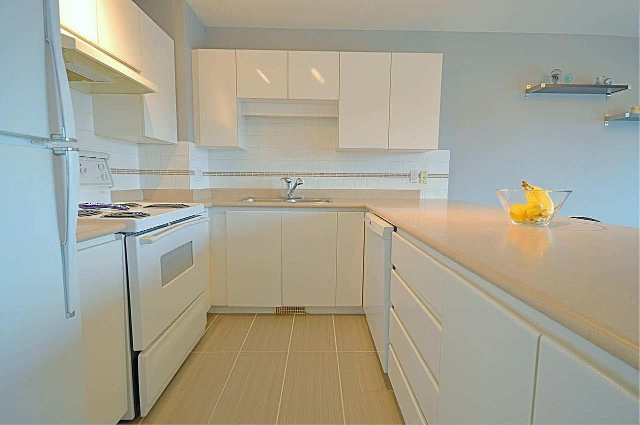 """Photo 2: Photos: 1144 O'FLAHERTY Gate in Port Coquitlam: Citadel PQ Townhouse for sale in """"THE SUMMIT"""" : MLS®# R2044041"""