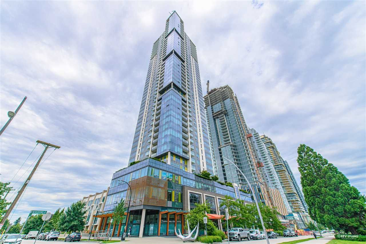 "Main Photo: 2509 6461 TELFORD Avenue in Burnaby: Metrotown Condo for sale in ""Metroplace"" (Burnaby South)  : MLS®# R2478031"
