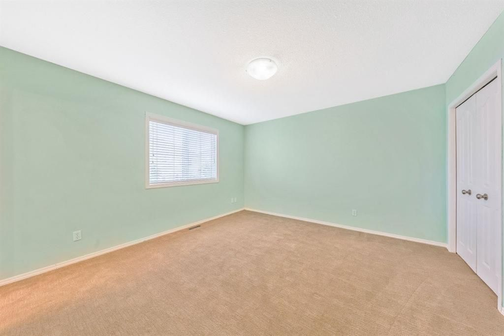 Photo 20: Photos: 53 Bridleridge Heights SW in Calgary: Bridlewood Detached for sale : MLS®# A1129360