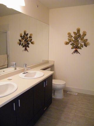 """Photo 14: 49 20326 68 Avenue in Langley: Willoughby Heights Townhouse for sale in """"SUNPOINTE"""" : MLS®# R2011514"""
