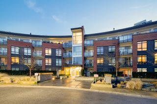 "Photo 2: 303 20 E ROYAL Avenue in New Westminster: Fraserview NW Condo for sale in ""THE LOOKOUT - VICTORIA HILL"" : MLS®# R2334251"